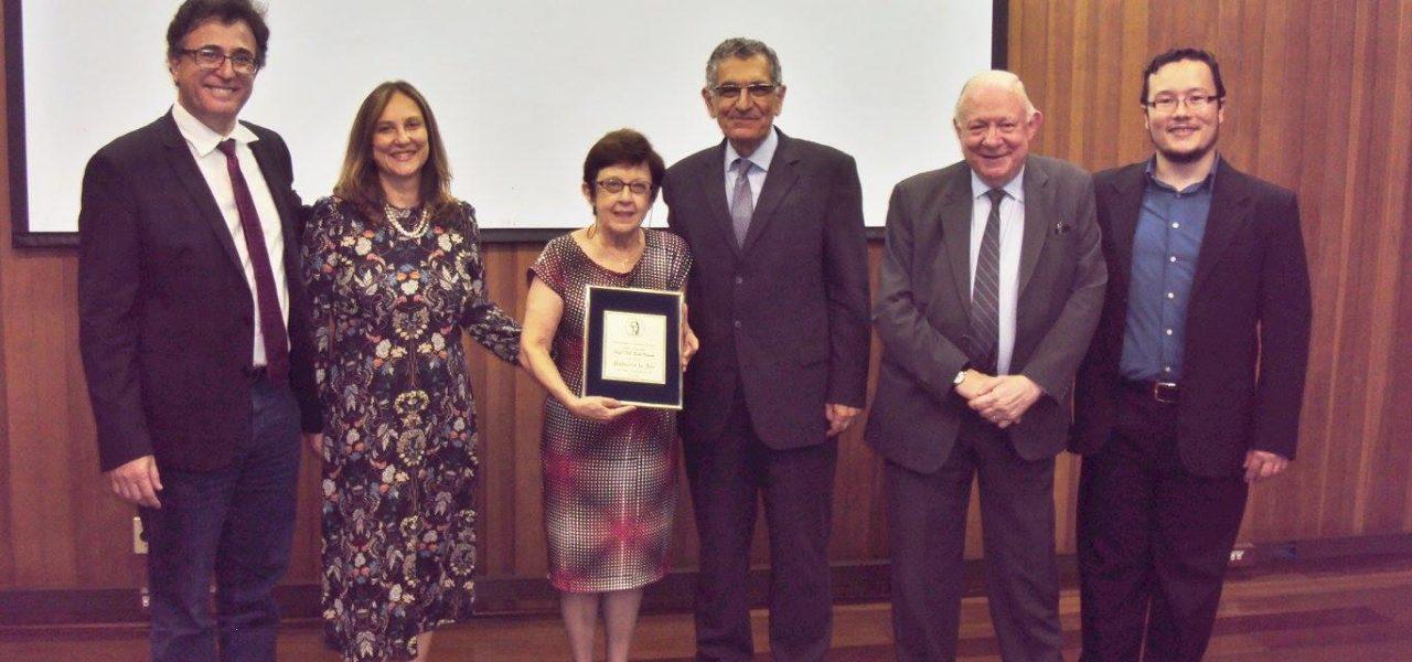 Edith Ranzini é homenageada Professora do Ano